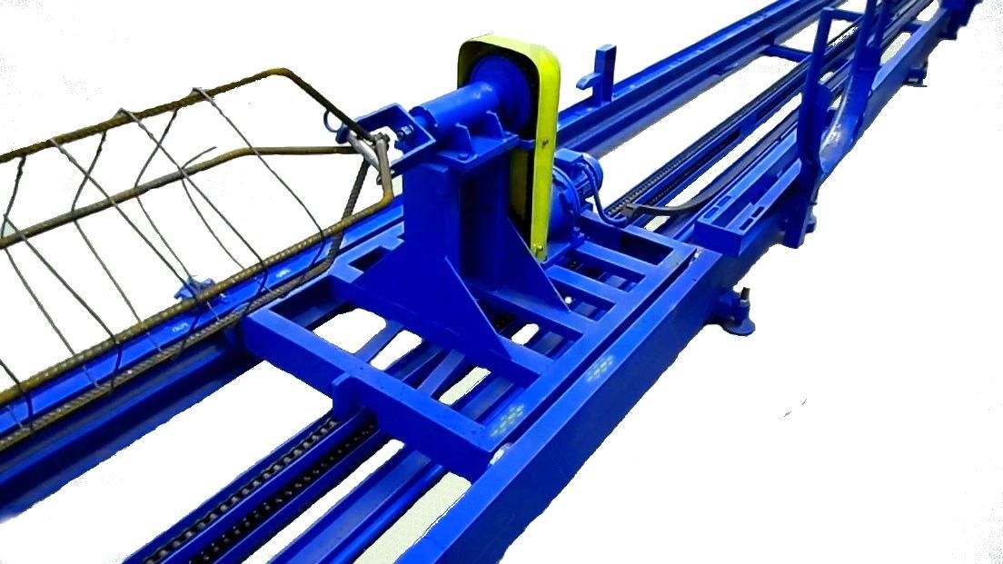 Машина для виготовлення зварних арматурних каркасів для з/б паль